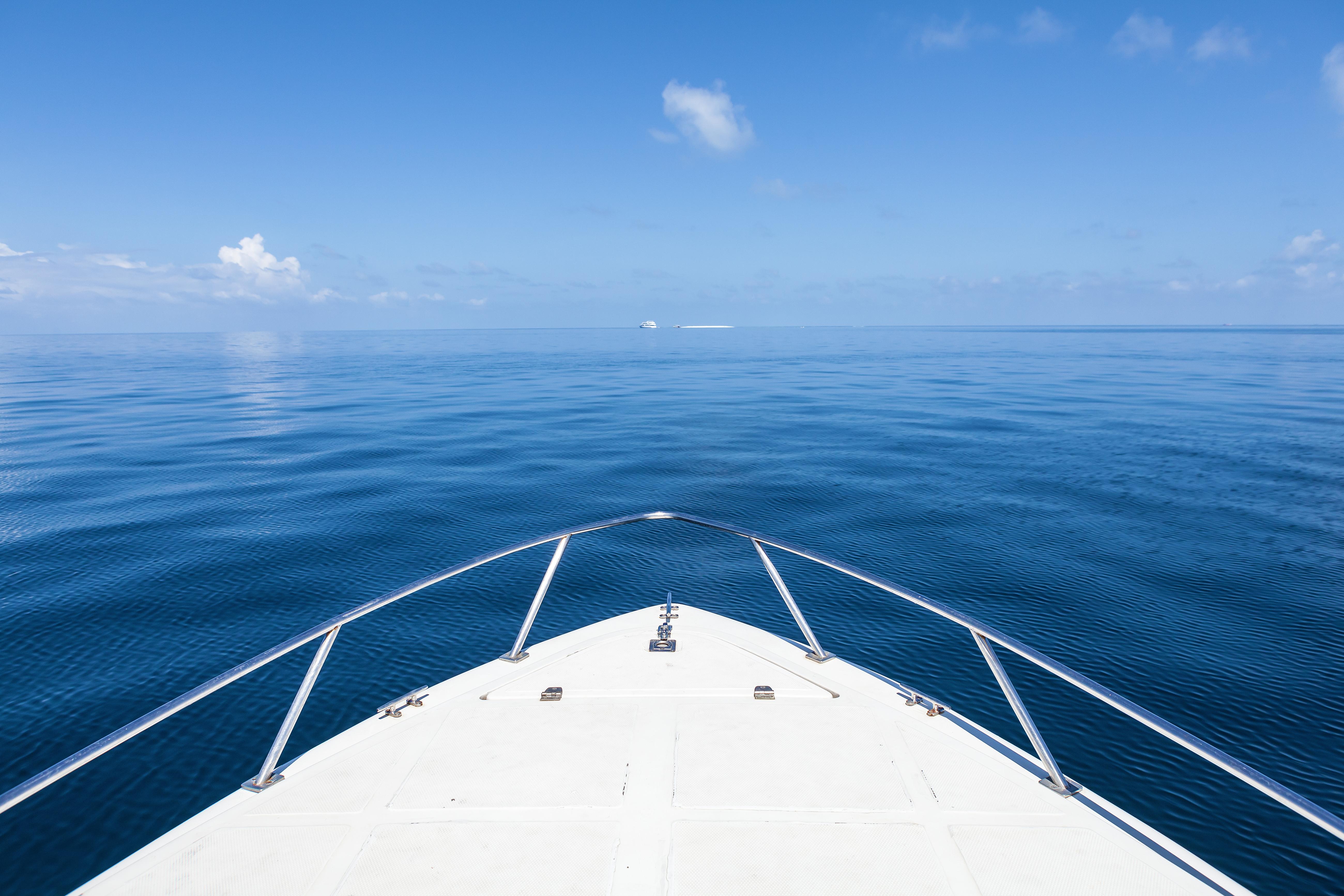 20 de oameni, inclusiv doi copii, au fost găsiți morți pe o barcă în insulele Turks şi Caicos