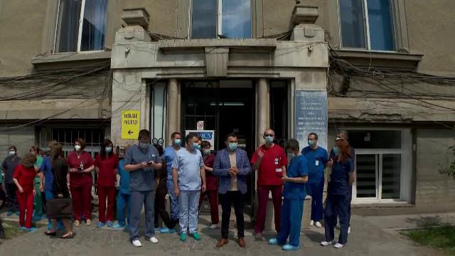Protest al angajaților Institutului de Urologie și Transplant din Cluj. Ce nemulțumiri sunt