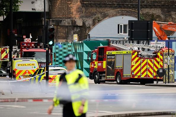 Incendiu de proporţii în apropierea unei staţii de metrou în centrul Londrei. VIDEO
