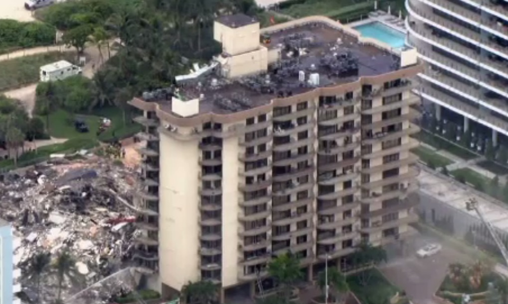 Continuă căutările victimelor prinse sub clădirea prăbușită în Miami. Bilanțul morților a crescut