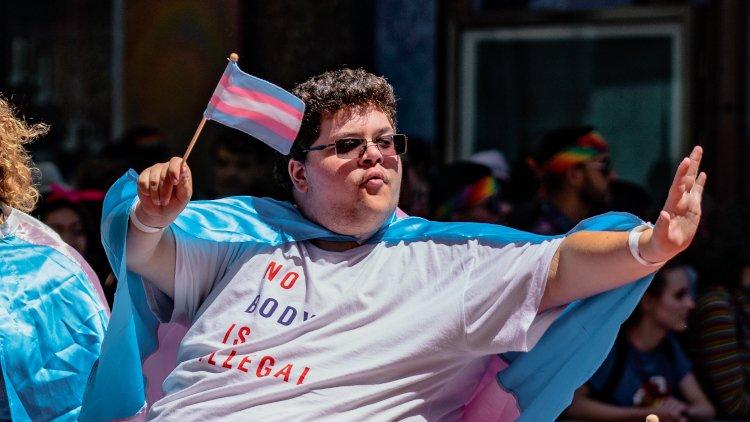 Curtea Supremă din SUA îl autorizează pe un elev transsexual, născut femeie, să folosească toaleta bărbaţilor