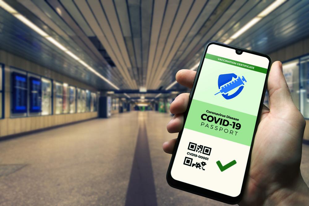 Românii ar putea fi nevoiți să prezinte certificatul digital dacă vor să participe la orice fel de evenimente