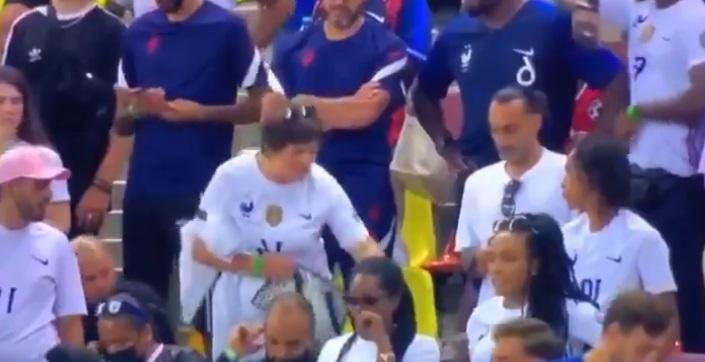 Scandal pe Arena Naţională între mama lui Adrien Rabiot şi rudele lui Paul Pogba. VIDEO