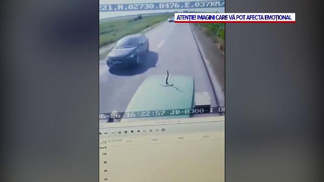 Noi detalii despre accidentul din Vrancea, unde 2 bărbați au murit. Secvențele, înregistrate de camera de bord a tractorului