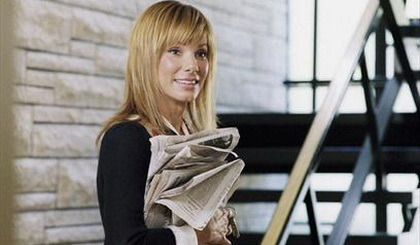 Sandra Bullock, actrita care a luat Zmeura de Aur si Oscarul in acelasi an