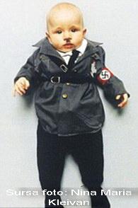 """Parintii lui """"Adolf Hitler"""" au pierdut custodia copilului. Decizia controversata a autoritatilor"""
