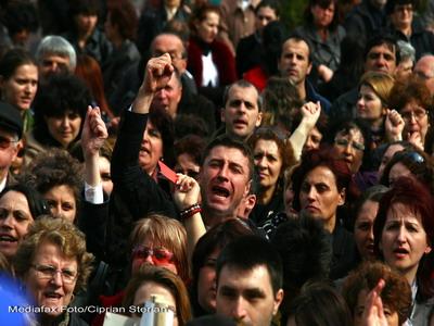 Sindicate: 1.000 de oameni vor picheta zilnic Guvernul si Presedintia!