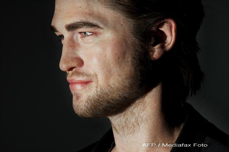 Revista presei: Robert Pattinson si Kristen Stewart vor o nunta