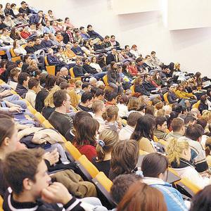 Dusa: Legea educatiei, o batjocura la adresa tinerilor din Romania