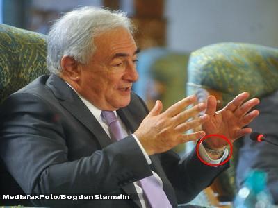 Revista presei: FMI, promotorul unei noi ordini mondiale?