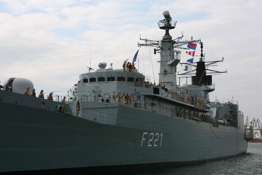 Prima misiune indeplinita a Fregatei Regele Ferdinand: 150 de persoane, salvate