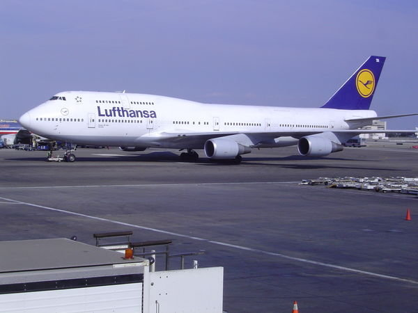 Pilotii Lufthansa au renuntat la greva prevazuta pentru marti