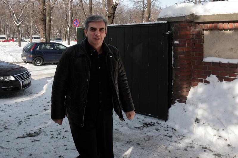 Eugen Nicolaescu, fost ministru al Sanatatii, dus de SMURD la Spitalul Floreasca