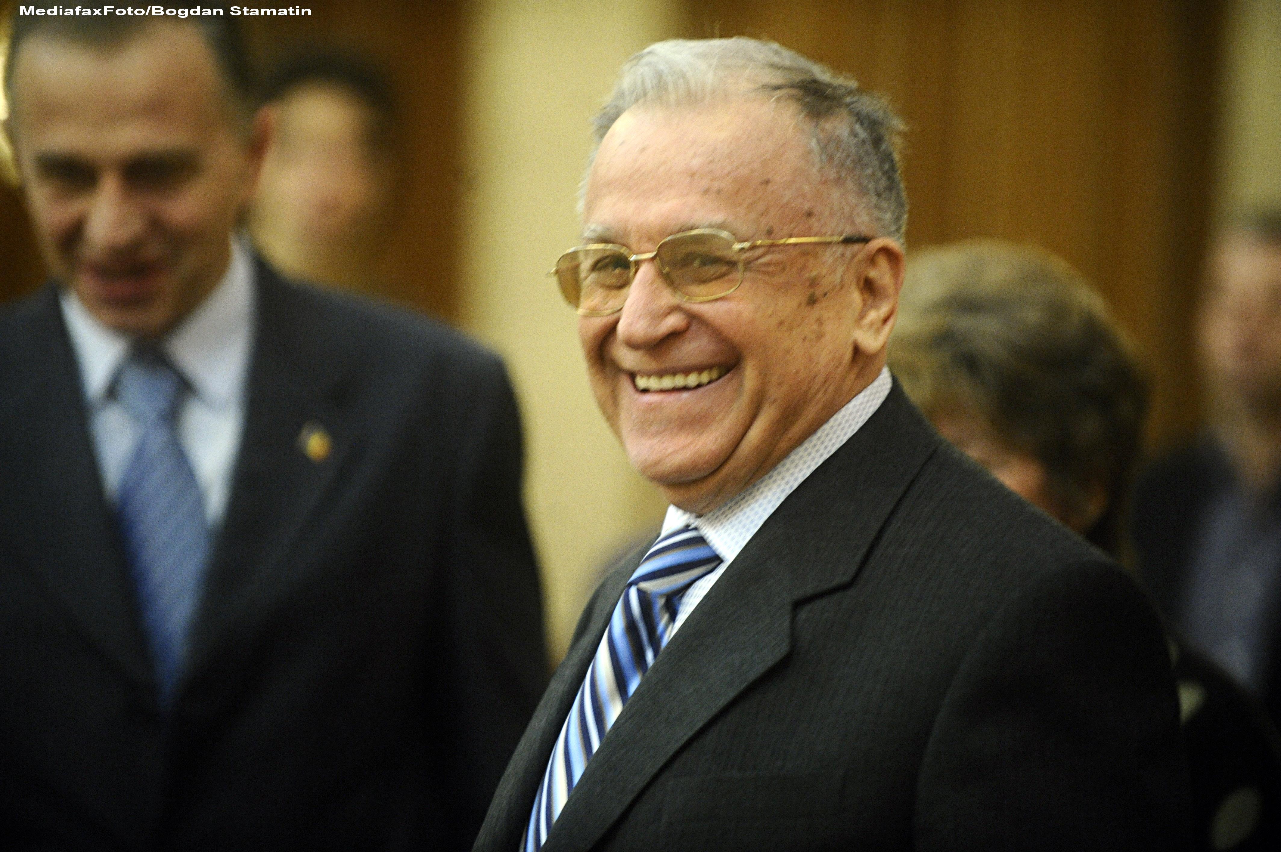 Surse: Ion Iliescu va fi sarbatorit, sambata, la Ateneul roman. Fostul presedinte implineste 82 ani