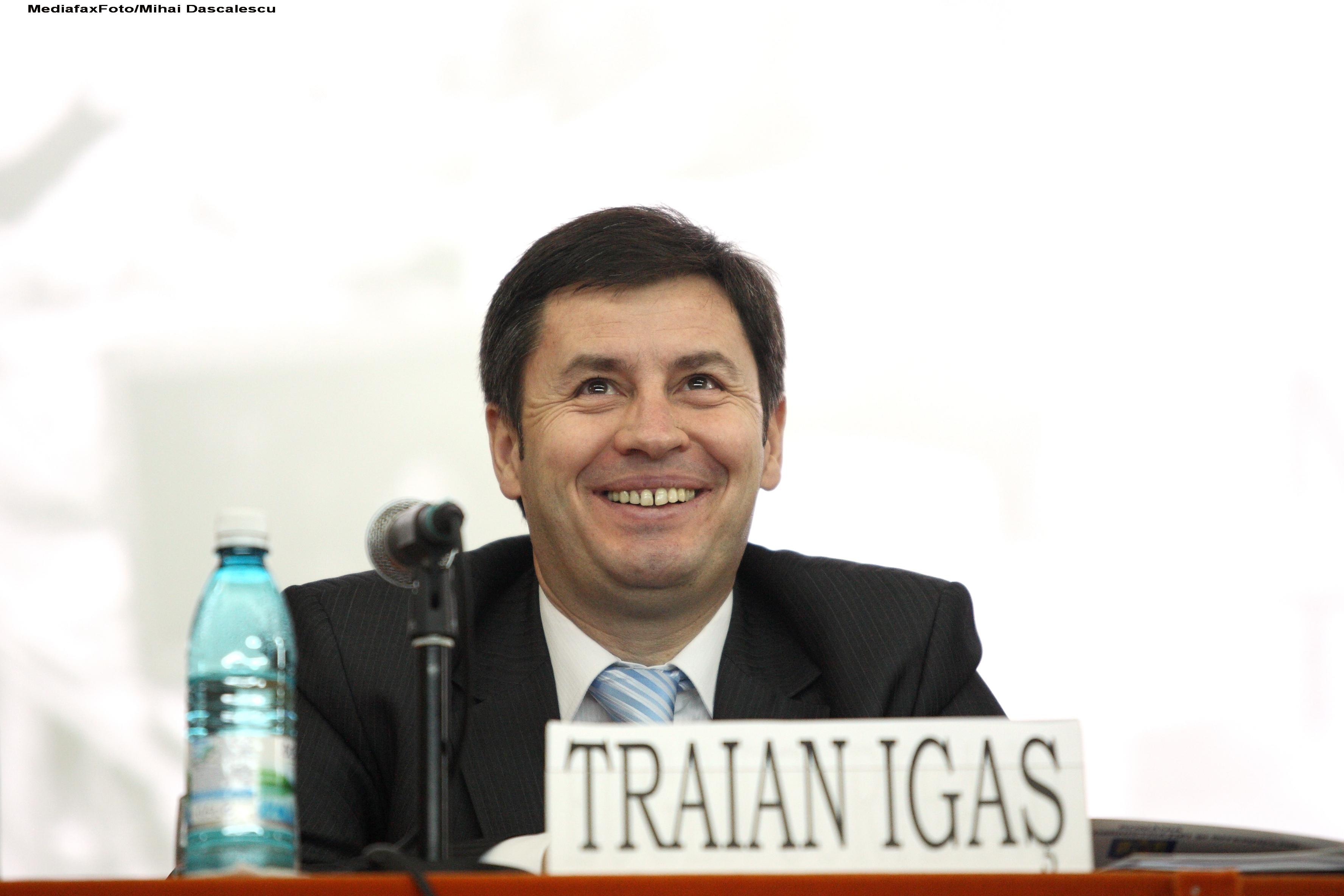 Traian Igas: Ponta nu stie articolele Constitutiei, in schimb stie sa jigneasca femeile din PDL