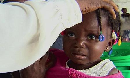 Reportaj cutremurator in tara unde o sclipre in privire inseamna o condamnare la moarte pentru copii