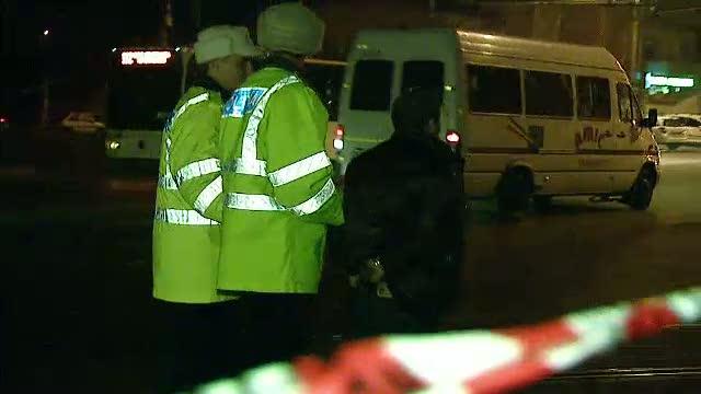 Pieton accidentat grav, de masina unor hoti de capace de canal care fugeau de politie