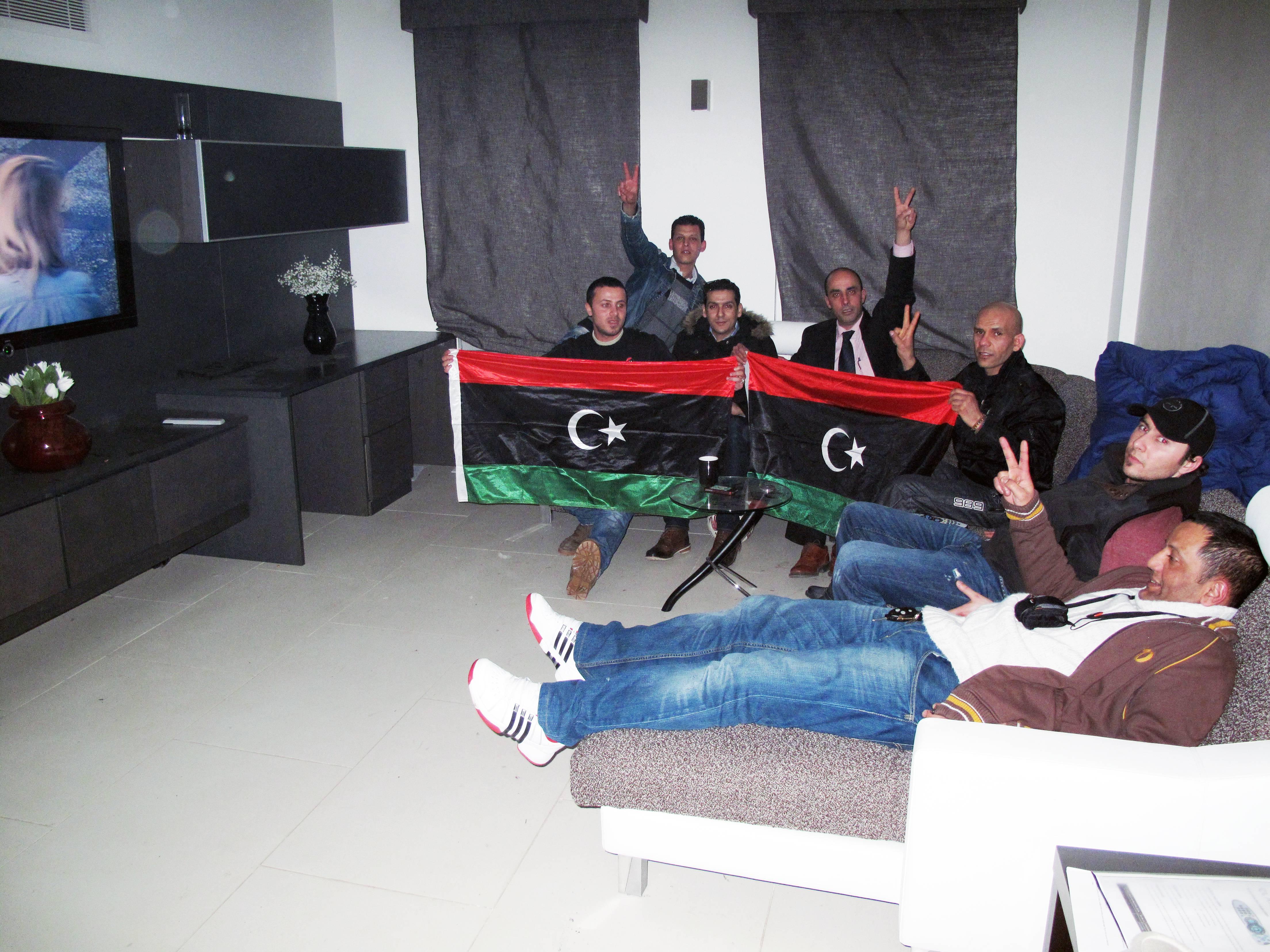 Englezii le fac cadou libienilor o locuinta de 10 milioane de lire ce a apartinut familiei Ghaddafi