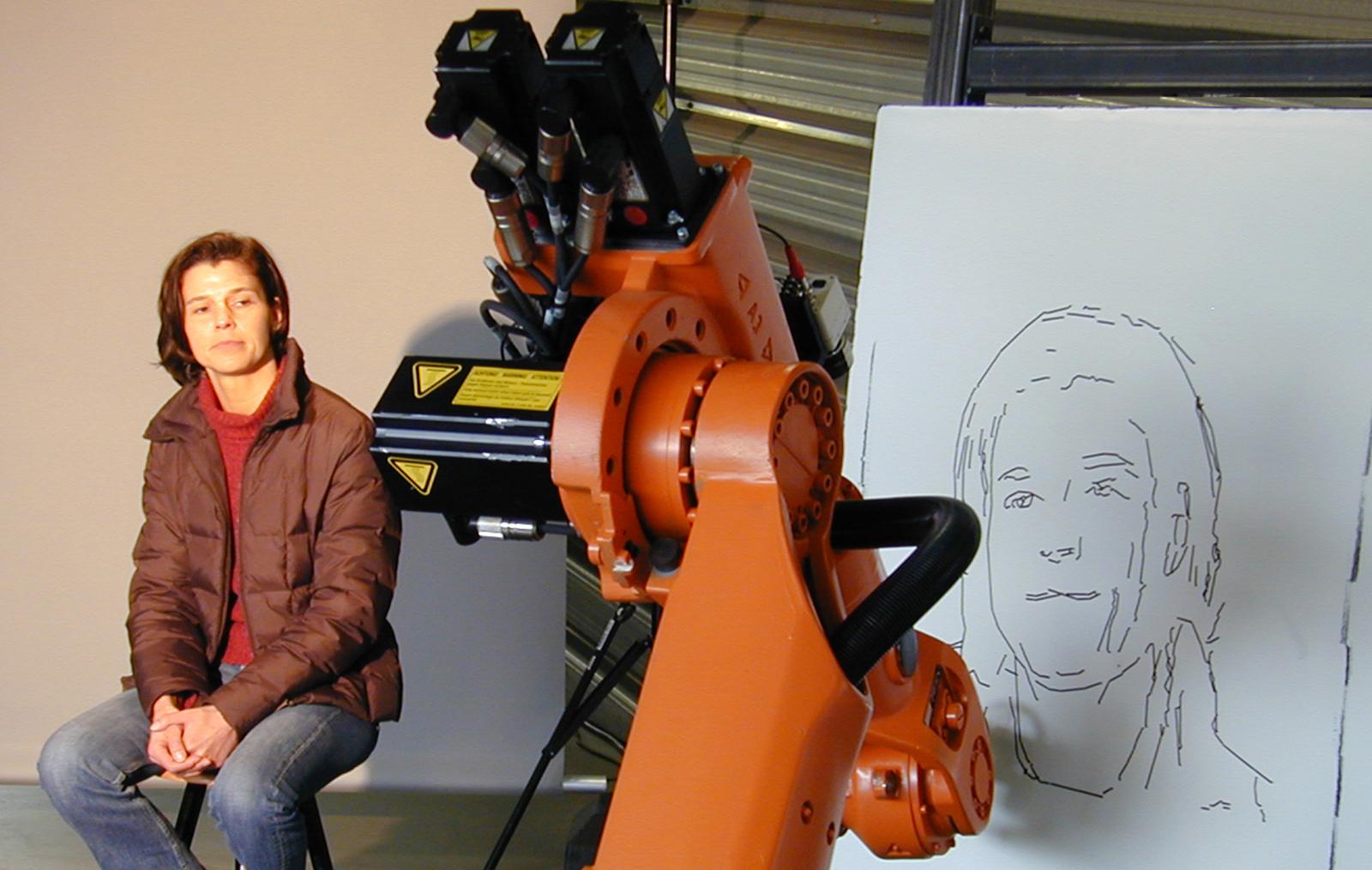 Robotul care deseneaza portrete, prezentat la CeBIT