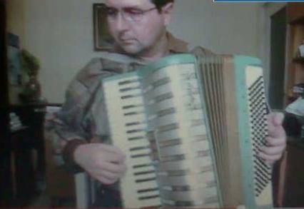 Noul sef al corpului de control al premierului Ungureanu este pasionat de cantatul la acordeon