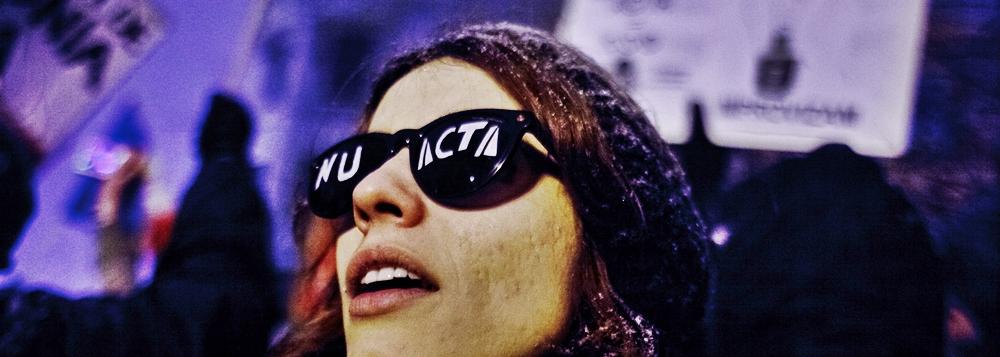 Totul despre Tratatul ACTA. Ce pierzi, ce castigi si de ce multi romani ar putea ajunge la puscarie