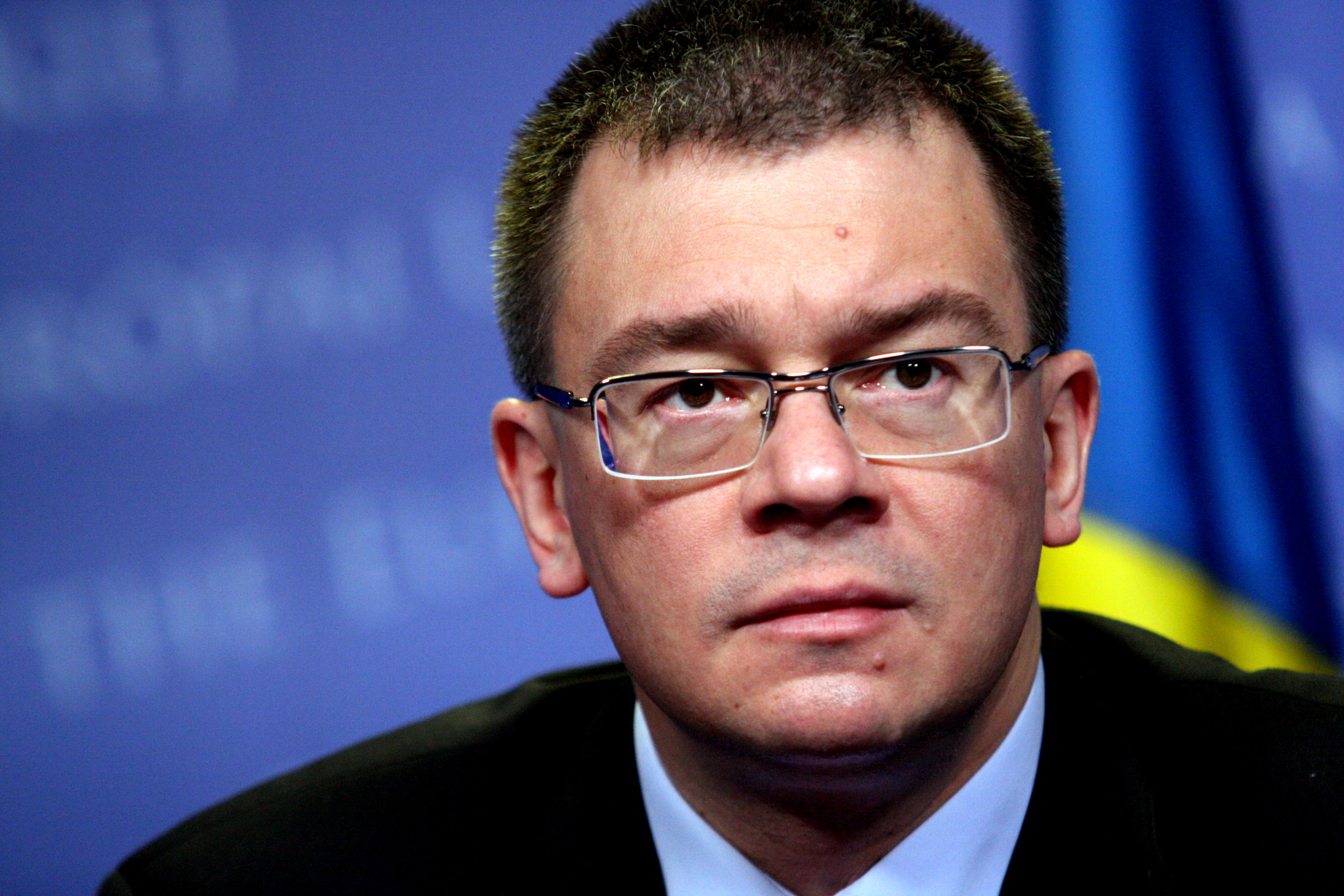 Premierul Ungureanu ar fi TRANTIT USA dupa o sedinta a coalitiei. Udrea: