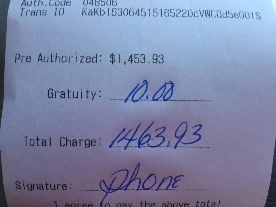 Bacsis ridicol de mic pentru o comanda de 1.500 de dolari. Poza care a devenit viral pe internet
