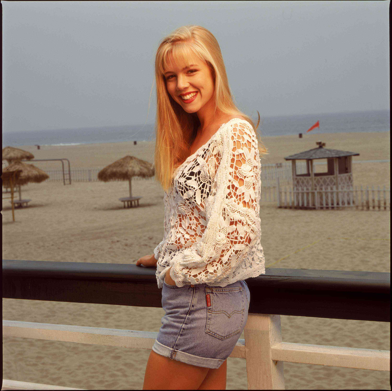 Cum arata astazi, la 40 de ani, frumoasa Kelly din Beverly Hills 90210