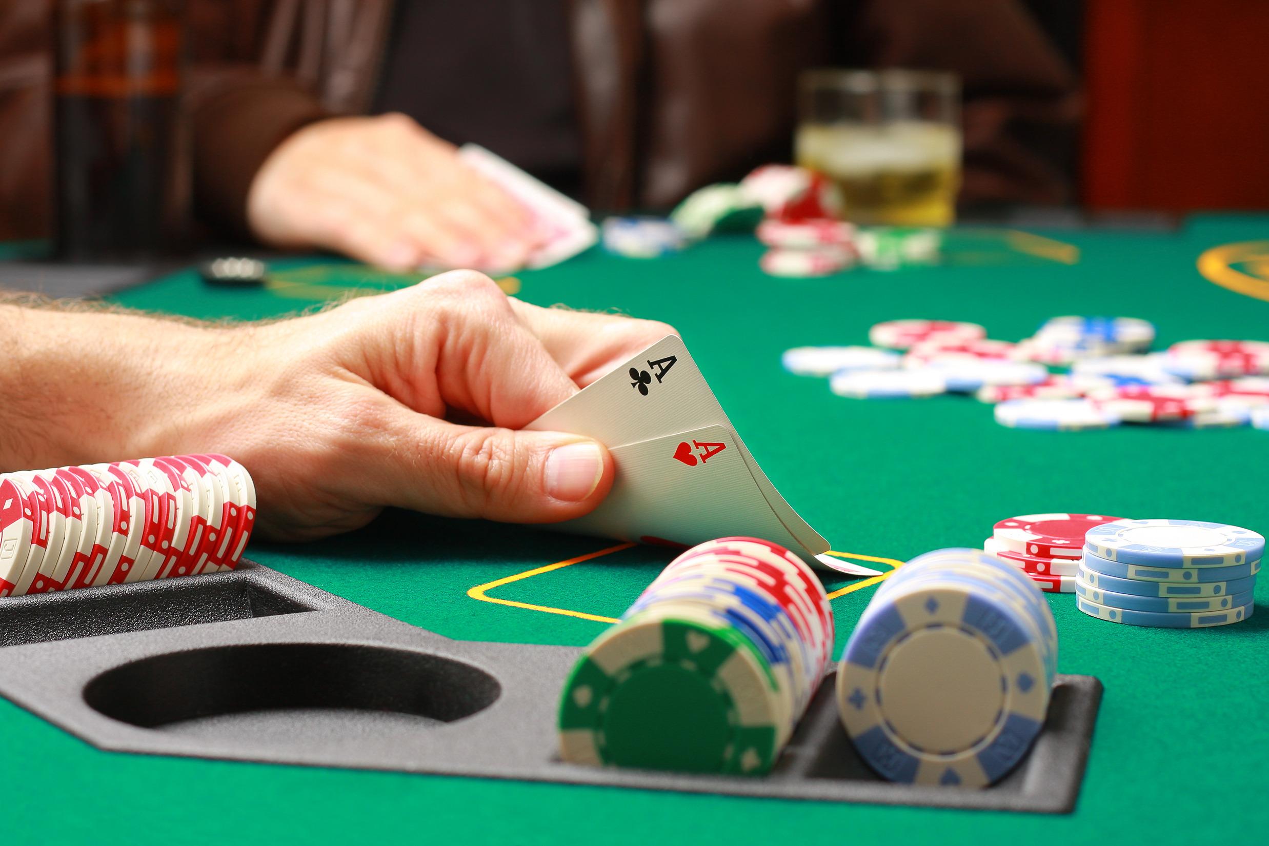 Trei jucatori de poker risca sa ramana pe viata dupa gratii. Secretul pe care au incercat sa il ascunda de politie