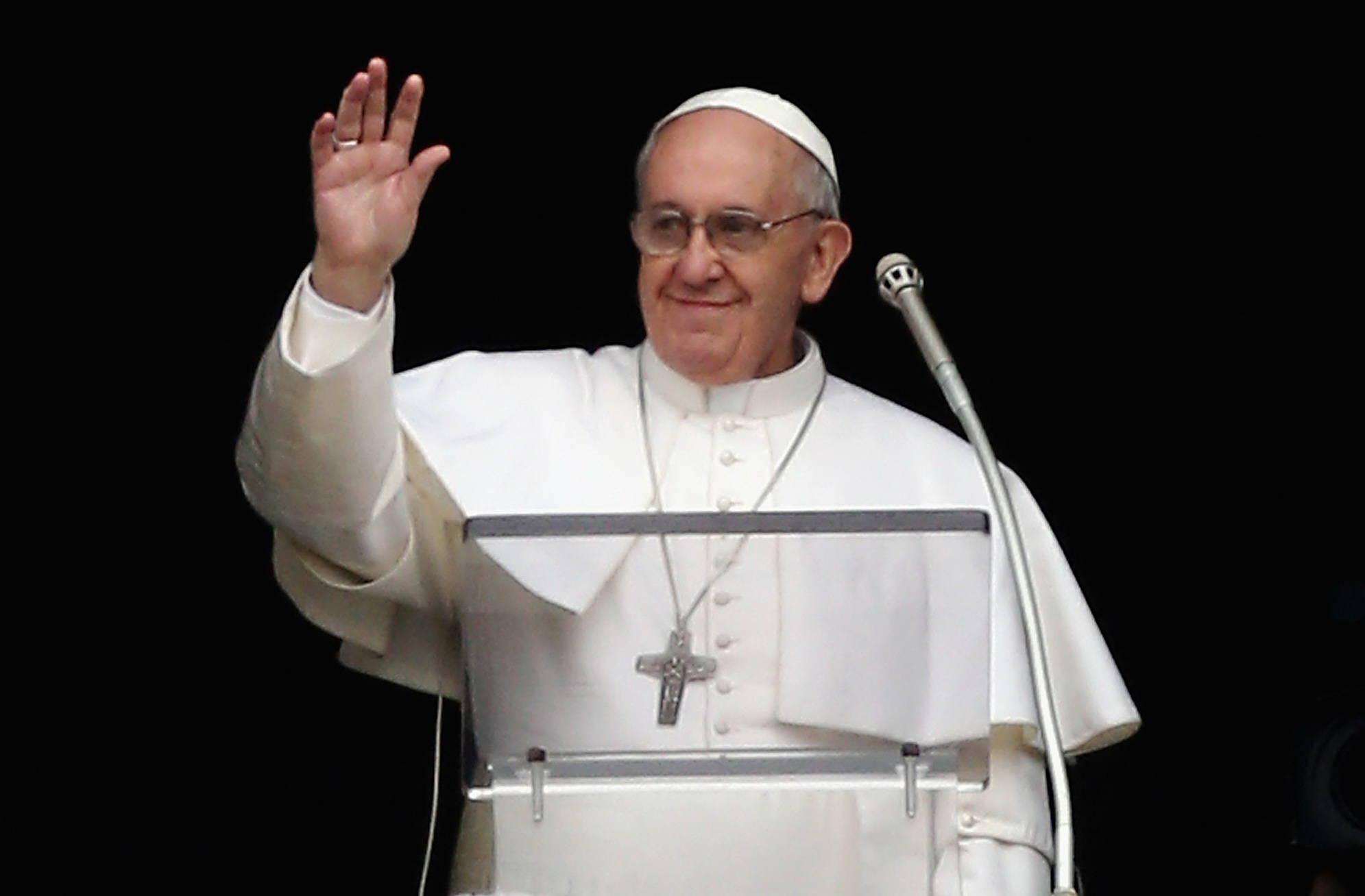 Papa Francisc, primul mesaj pe Twitter: Continuati sa va rugati pentru mine