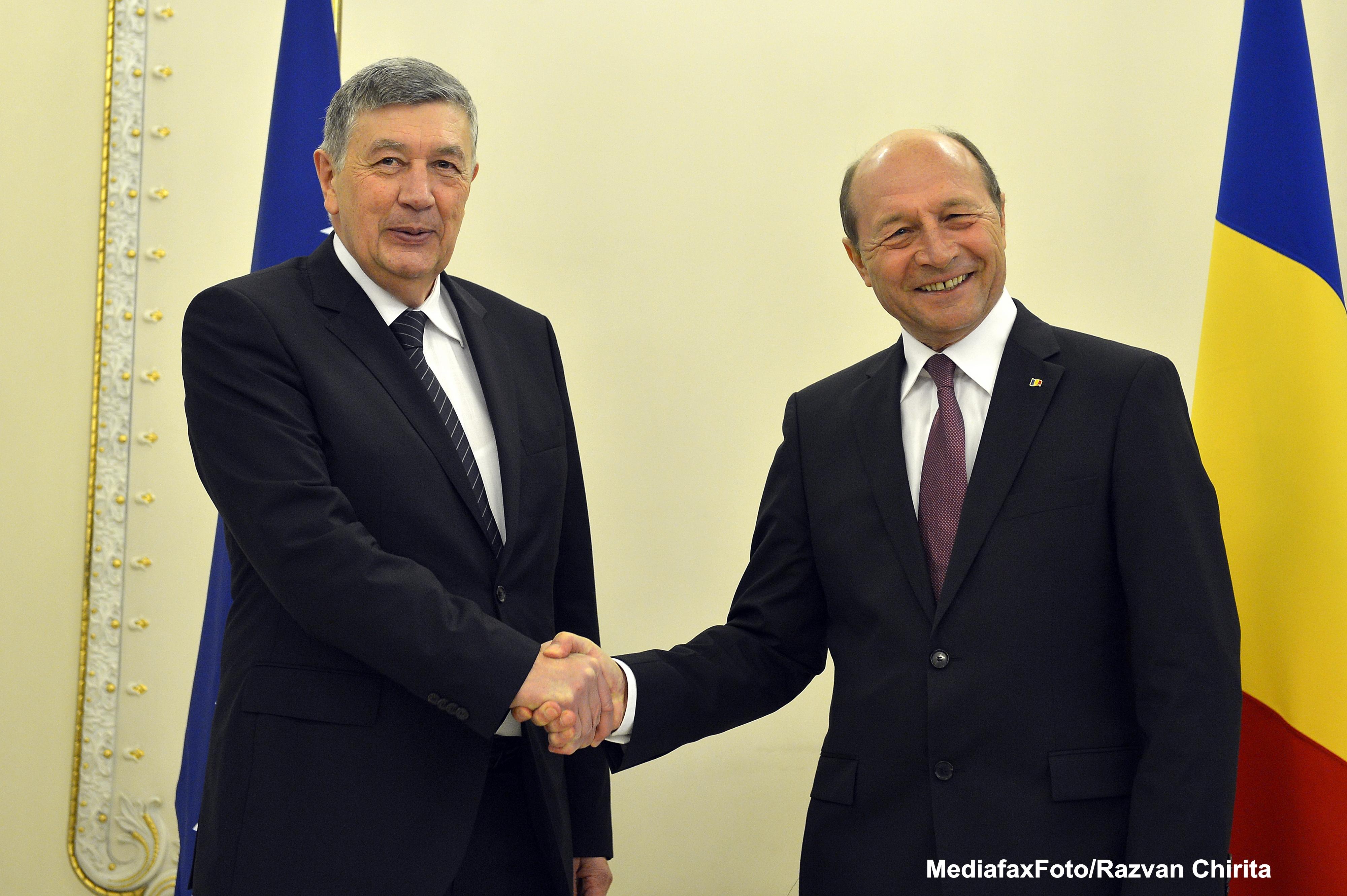 Basescu: Sustinem Sarajevo pentru negocierile de aderare la UE, cu o conditie