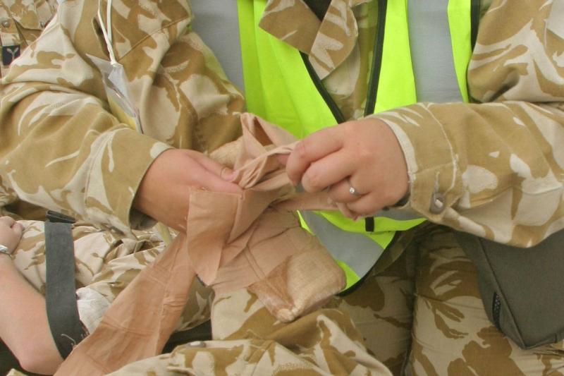 Rugaminte indecenta a unui militar care tocmai isi pierduse ambele picioare