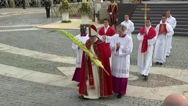 Papa Francisc a participat la prima ceremonie de amploare, in duminica Floriilor