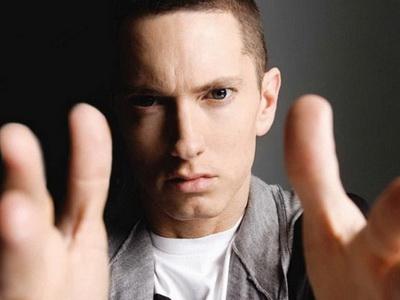 Impactul pe care drogurile l-au avut asupra lui Eminem. Cantaretul pare mai slab, palid si cu fata trasa