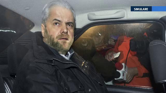 Adrian Nastase a implinit 64 de ani, in inchisoare. Colegii de suferinta i-au urat traditionalul