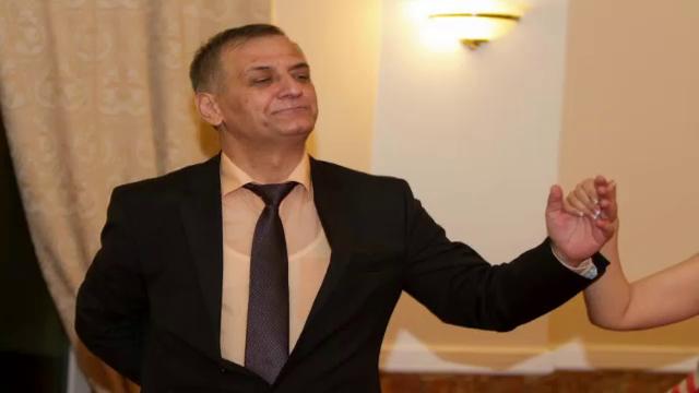 <b>Un consilier judetean din Timis a murit in urma unui atac de cord. Politicianului i s-a facut rau in timp ce dansa</b>
