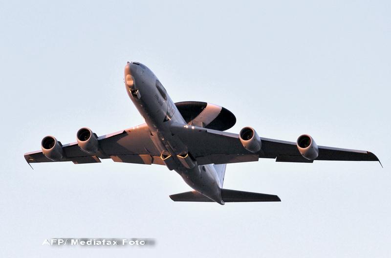 Romania supravegheaza zilnic granitele cu aeronava AWACS a NATO. Mircea Dusa: Avem misiuni de politie aeriana de 2 saptamani