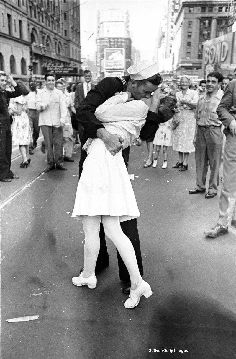 Marinarul care ar fi sarutat o infirmiera, intr-o fotografie celebra realizata in Time Square, a murit