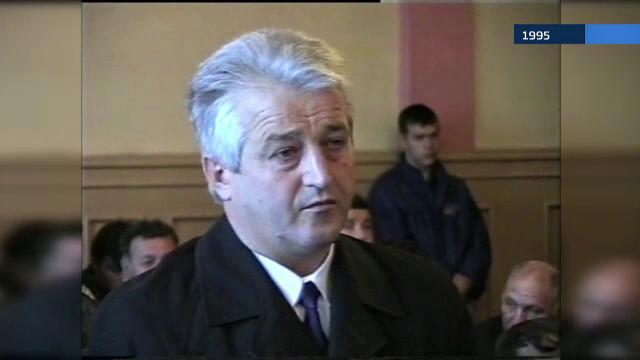 Preot din Brasov acuzat ca vinde ilegal locuri de veci, dupa ce a fost condamnat la inchisoare pentru profanare de morminte