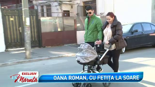 Oana Roman si-a scos fetita la plimbare. Cum se simte vedeta in rolul de mamica