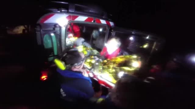 Actiune de interventie contracronometru. Un turist ceh a fost salvat dupa 7 ore in care a fost blocat in zapezi