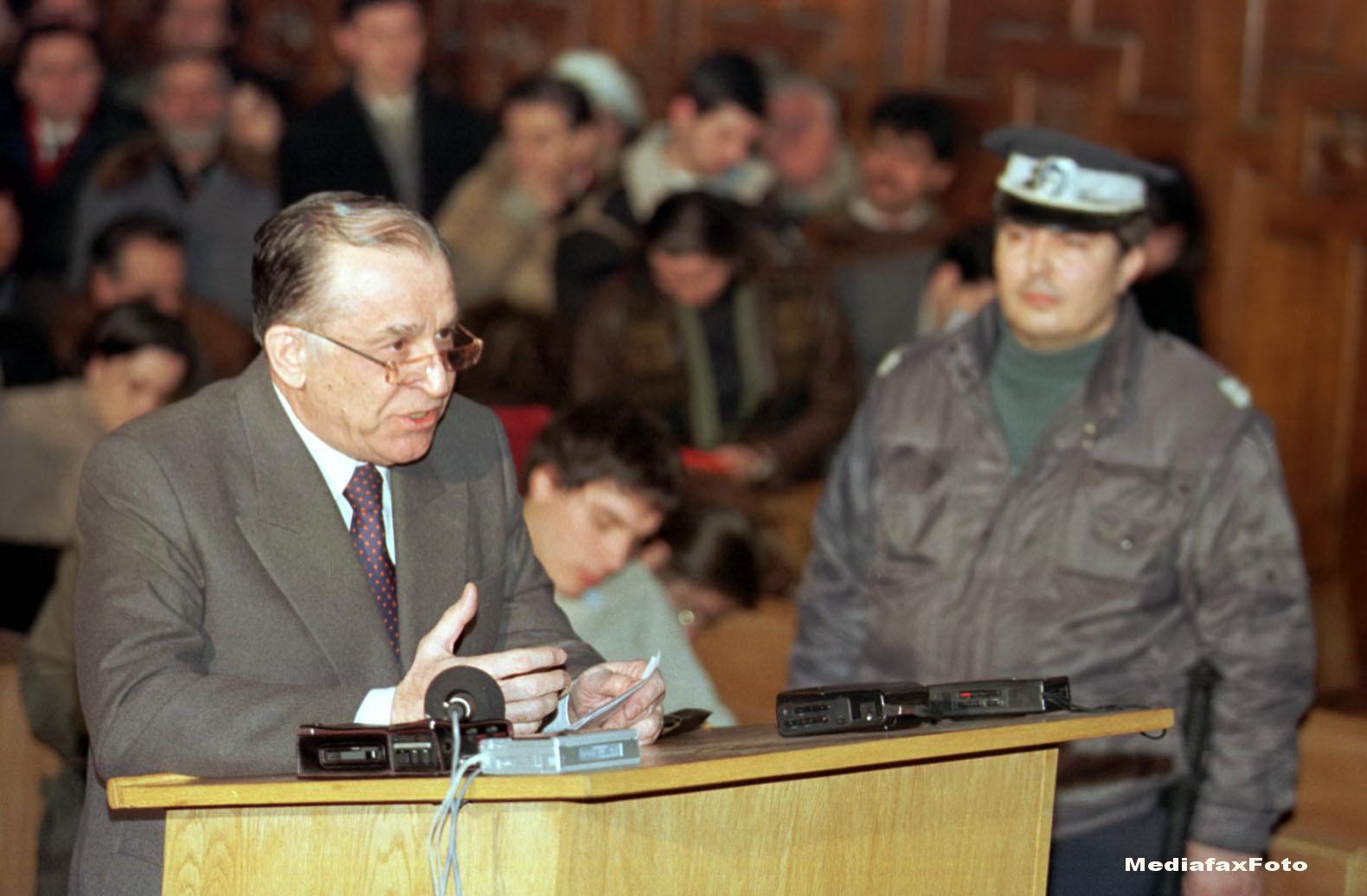 Dosarul Mineriadei. Ion Iliescu si Petre Roman, pusi sub acuzare. Marian Munteanu: