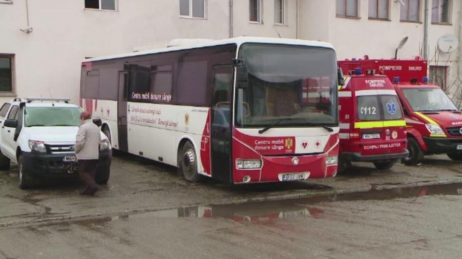 Avem centre mobile de transfuzii, dar nu sunt bani de motorina si soferi. Romania e pe ultimul loc in UE la donarea de sange