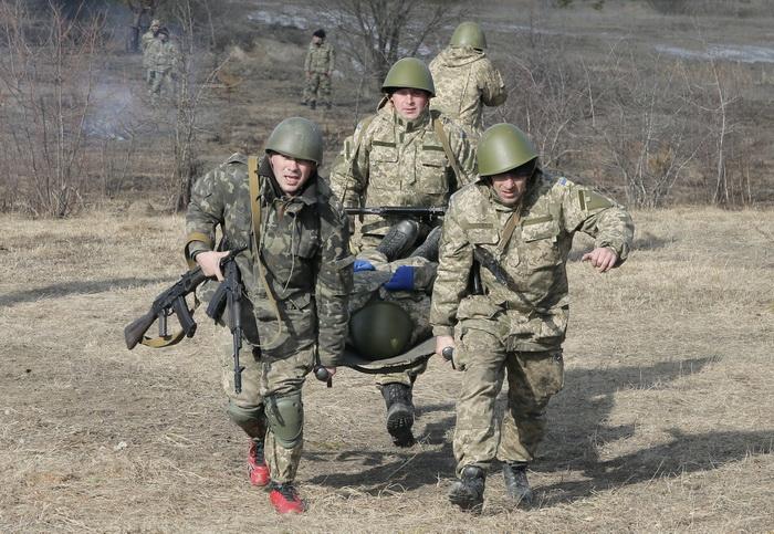 Criza in Ucraina. Confruntarile armate continua in estul tarii, doi militari au murit in lupte cu insurgentii