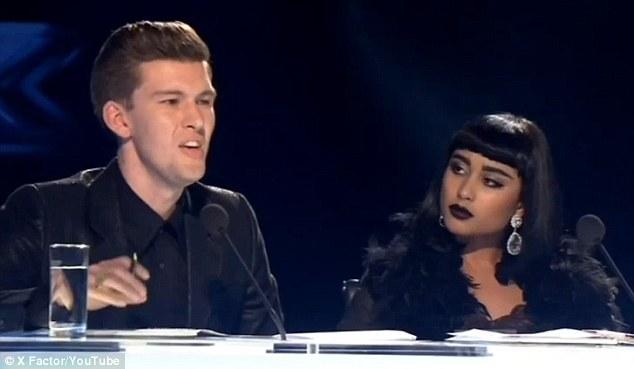 Doi jurati de la o emisiune de talente, concediati din cauza comentariilor dure la adresa unui concurent: