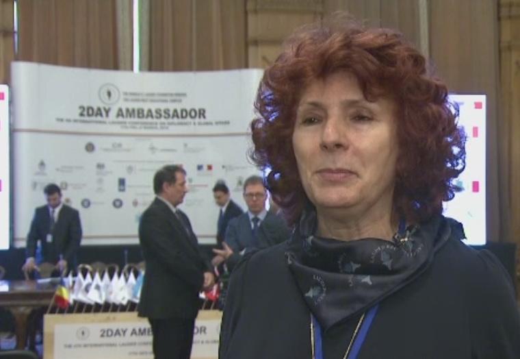Sute de elevi au invatat ce inseamna diplomatia si afacerile internationale de la ambasadori si ministri