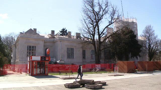 Castelul Nako, construit in 1864, va fi restaurat pana la finalul anului. Cum au reusit autoritatile sa-l salveze de la ruina