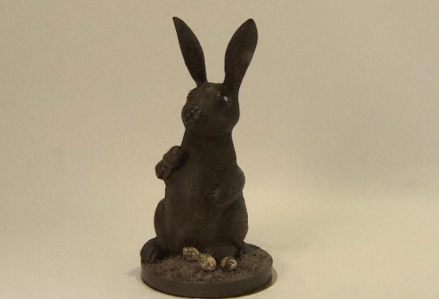 Cel mai scump iepure de ciocolata din lume a fost creat de un britanic. Cat costa desertul cu diamante pe post de ochi