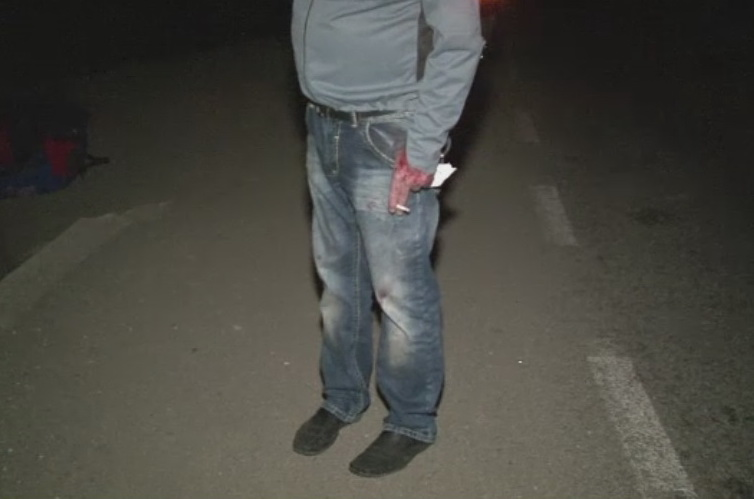 Accident cu necunoscute in Bistrita-Nasaud. Doi raniti si un fugar, dupa ce o masina s-a rasturnat intr-o curba periculoasa