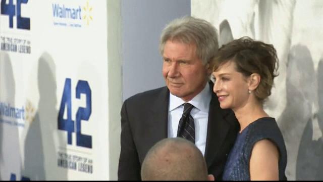 Harrison Ford ar fi fost externat din spital, dupa accidentul aviatic din urma cu o luna. Actorul a fost vazut in Los Angeles